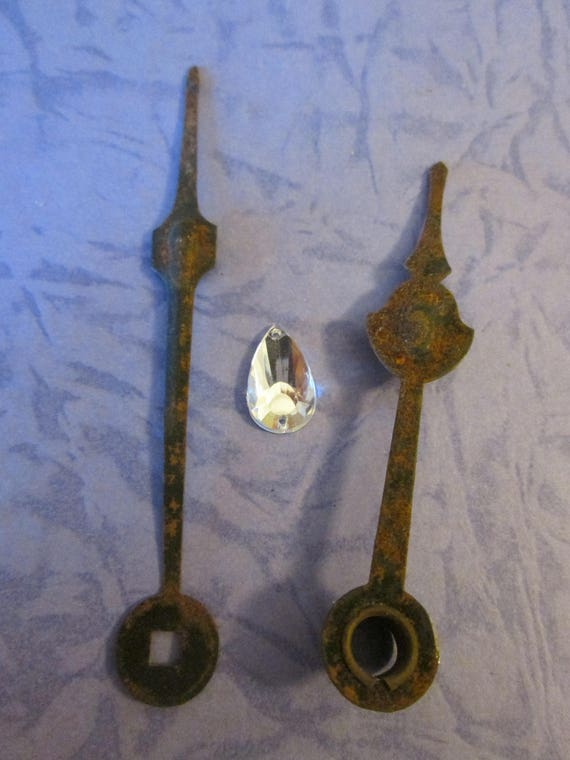 """1 Pair of Antique Rusty & Dusty Clock Hands 3 1/4"""" and 2 5/8"""" for your Clock Projects - Jewelry Making - Steampunk Art and Etc."""