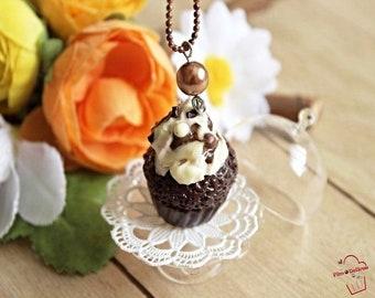 Chocolate vanilla cupcake picorettes necklace