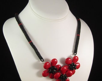 Chunky Red Flowers Necklace