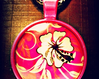 Pink Necklace with White Hibiscus Flower (shipping included)