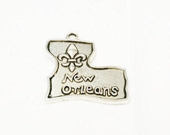 5 New Orleans Charms, Mardi Gras Charms, Antique Silver Pendant, French Charm, State Charm, Mardi Gras Favor, Fleur De Lis Charm, 766