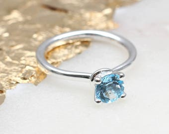 Sterling Silver And Blue Topaz Gemstone Ring (HBR24)