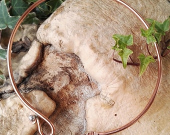 Celtic style copper torques with ginkgo leaf. Handmade copper necklace