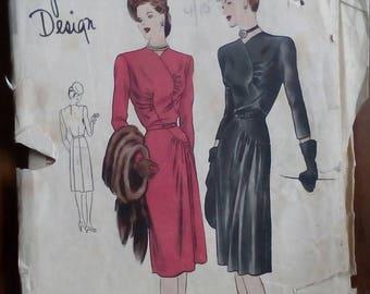 "1940s Dress - 30"" Bust - Vogue S-4655 - Vintage Sewing Pattern"