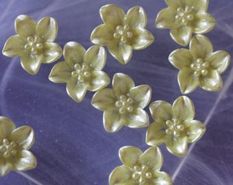 Yellow cabochon flower scrapbooking