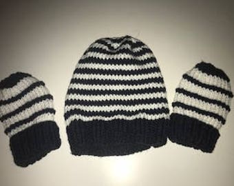 Hand knit Toddler beanie and mittens