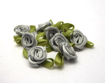 10 roses textile green/grey blue with hole for threading 23x13m dimensions