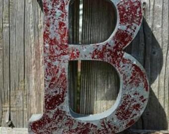 Medium vintage style 3D red letter B