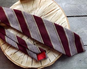 Vintage Tie Necktie  1970's Necktie Men's Tie Nesktie Tie  1970