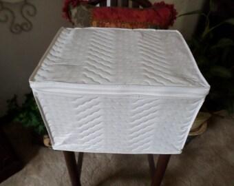 "Vintage Quilted/Padded China/Glassware/Stemware Storage Box-White-12"" x 10"" x 15""-Zipper Closure"