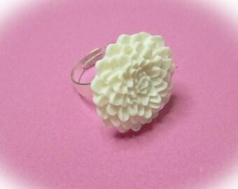 Large Mum Ring - Winter White - Chrysanthemum Flower - Adjustable ring