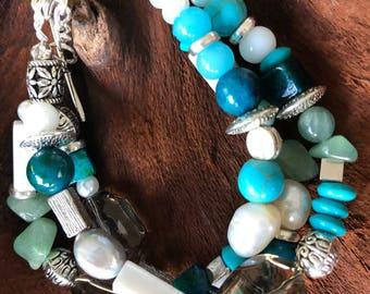 Three strands bracelet