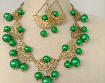 Filigree and green pearl necklace set
