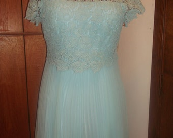 lace dress, sheer pleated skirt, mint color, back zipper, size M