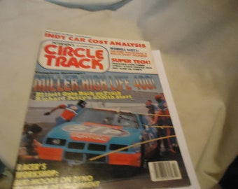 Vintage October 1986 Petersen's Circle Track Miller High Life 400! Magazine Volume 5 Number 10, collectable