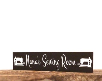 Sewing Machine Personalized Name Sign, Crafting Room Wall Decor, Seamstress Wall Art Decor