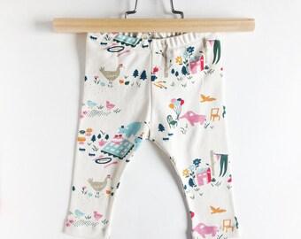 Baby leggings - Organic baby pants - Organic baby trousers - Organic cotton knit fabric  - animals on cream