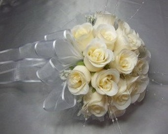 "8"" Round Ivory Roses Bride/Bridesmaid Bouquet - Wedding -"