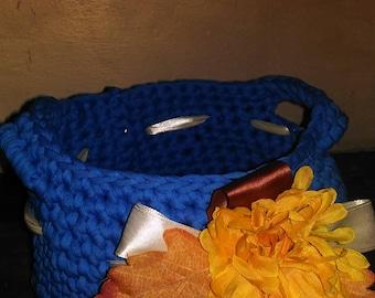 crochet baskets in ribbon