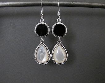 Onyx earrings, Black and white earrings, Silver Earrings, dangle earrings, drop earrings, gift for her, pearl earrings