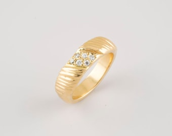 18 carat gold ring with six bright, all sizes available