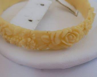 Vintage carved celluloid floral bangle bracelet, ivory look bracelet, retro bracelet, 7 & 1/2 inch bracelet