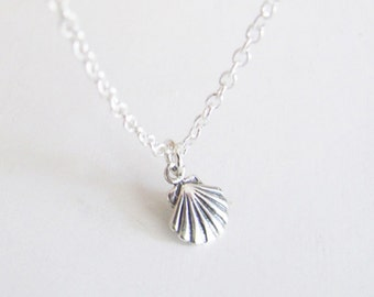 Small Seashell Necklace - Seashell Necklace - Thin Necklace - Dainty Necklace - Charm Necklace - Light Necklace - Small Necklace