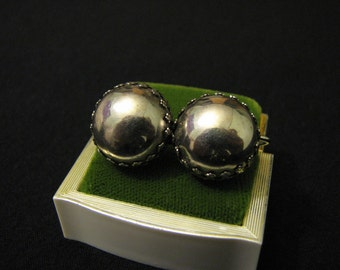 Vintage Silver Tone Puffy Round Screwback Earrings