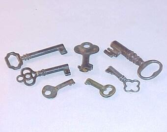 7 Vintage Keys