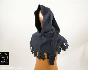 Leaf edged hood. Used about from 1350 to 1460. Made in 100 % wool.