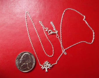 """Sterling silver 925 pendant with 18"""" Length chain / necklace"""