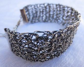 Handmade wire crochet bracelet. Black and silver color bracelet. Wire bracelet.