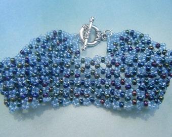 Frozen Netted Bracelet