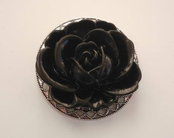 PIN - tray with black rose