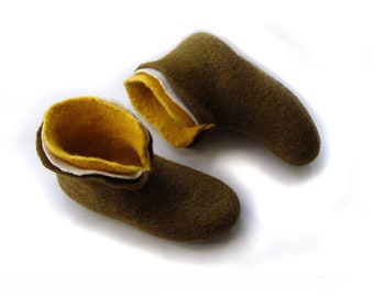 Felted wool slippers / house shoes for women COLOR / white / moss / yellow