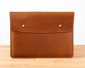 """15"""" MacBook Pro with Retina Display - Leather Sleeve Case in Brown"""