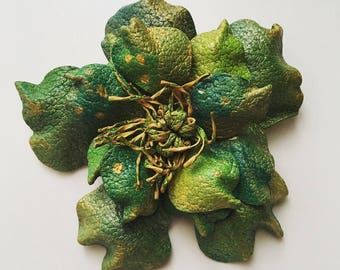 Vintage 1950s green lily leather brooch