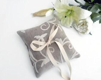 Rustic Wedding Ring Holder- Ring Bearer Pillow - Ring Pillow - Ring Pillow Wedding - Ring Cushion - Wedding Pillow - Wedding Decorations