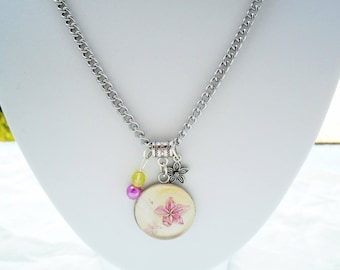 Pink flower cabochon necklace
