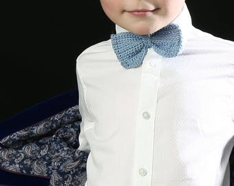 Crochet boys bow tie / photo prop