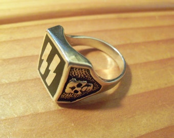 Lightning Bolts Ring Black Inlay