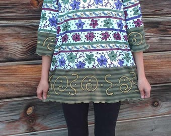 """OOAK Designer Women's Tunic Top Upcycled Sage Green and Maroon Flowers / Stripes Hand Painted """"You Really Got Me"""" Size 12 - 14 L"""