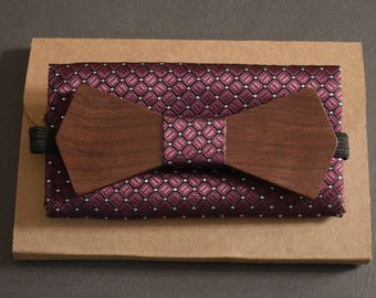 Walnut wood bow tie personalized with name engraved, pocket hanky