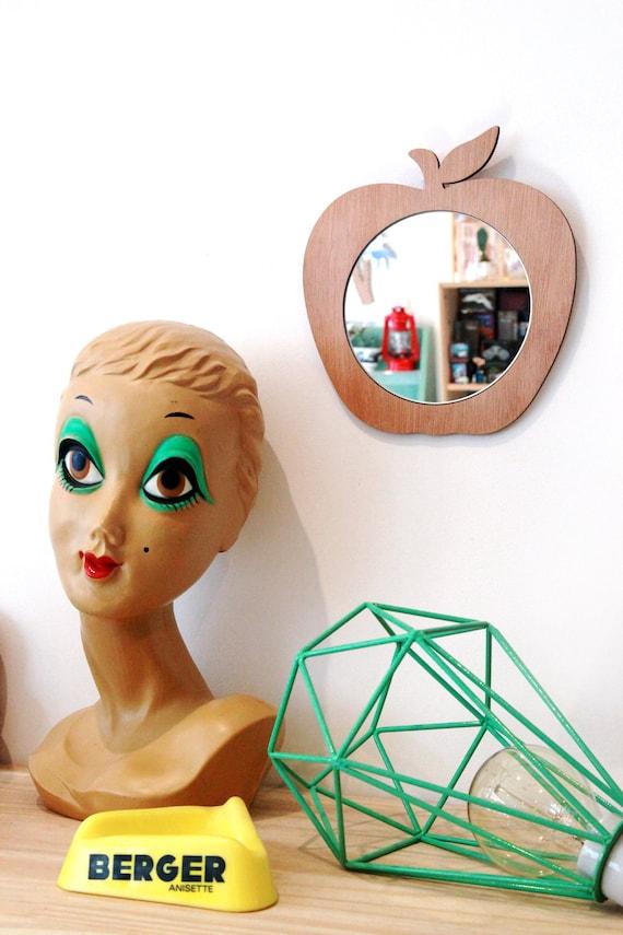 miroir pomme en bois d coup la machine laser. Black Bedroom Furniture Sets. Home Design Ideas