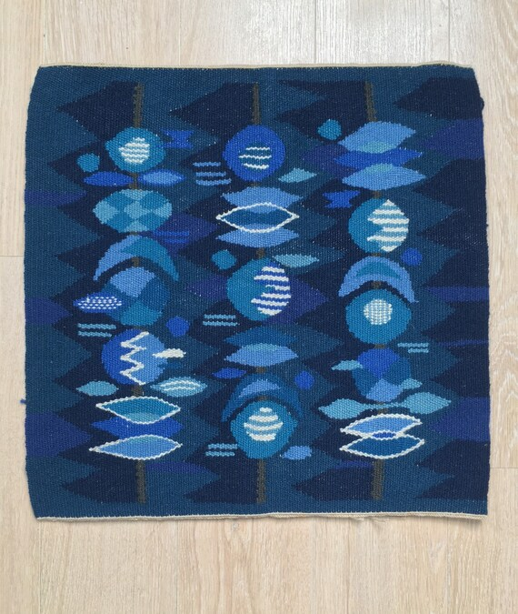 Vintage Swedish flamskvavnad wool traditional wallhanging handmade 48 x 48 cm