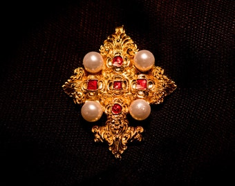 Cross - 16th Century with faux pearls - C14L
