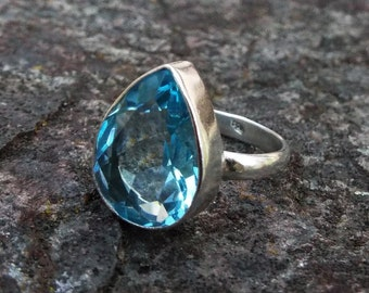Blue topaz Ring, topaz ring, US 7.5, blue topaz ring, blue gemstone ring, stacking ring, gift for her, silver ring, Stzerling silver ring