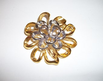 Vintage Dahlia or Fancy Bow Brooch/Pin