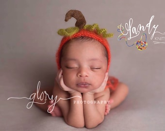 Newborn baby pumpkin bonnet. Newborn photo prop. Mohair