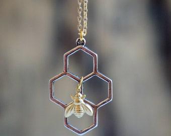 Honeybee Honeycomb Necklace Beekeeper Bee Jewelry Beehive Busy Bee Queen Bee Pendant Gift for Her Bumblebee Necklace Geometric